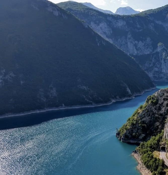 pivsko-jezero krstarenje