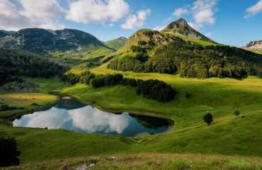 hiking tour orlovacko lake