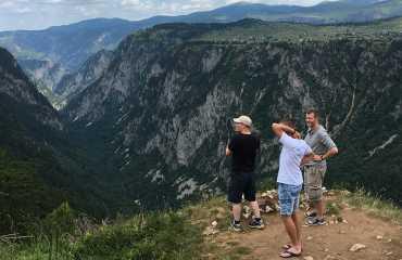 jeep safari hiking tour tara canyon