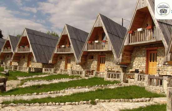 Etno selo Nevidio Tarasport smeštaj